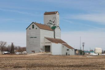 lowe-farm-grain-elevator